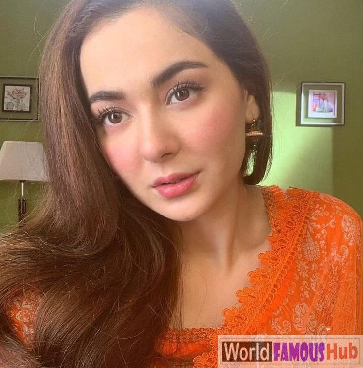 Hania Amir in red