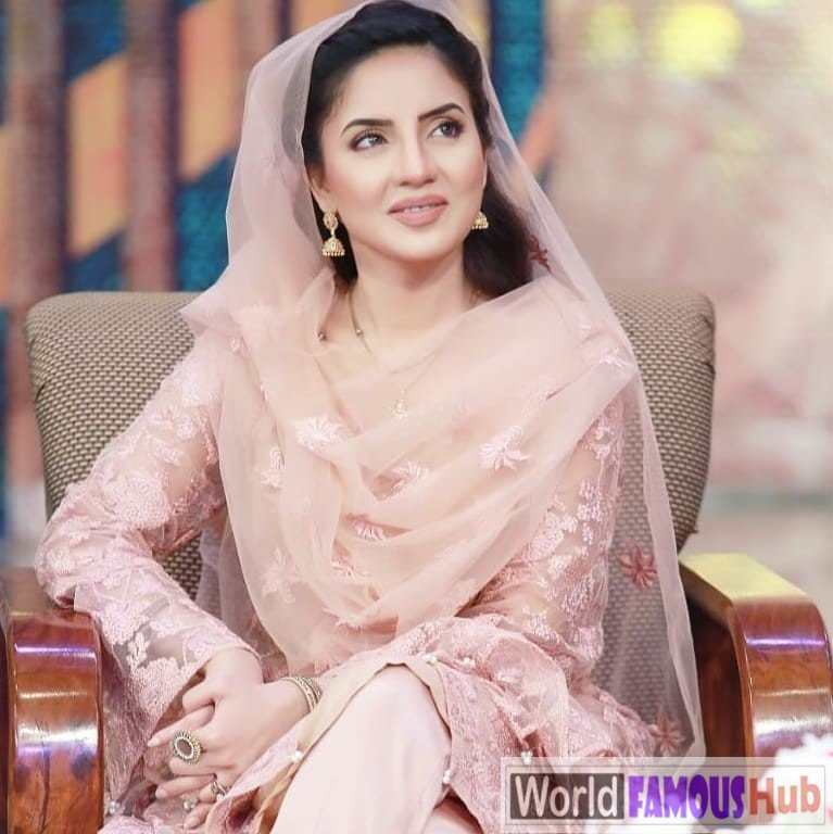 Kiran Naz (Anchor)