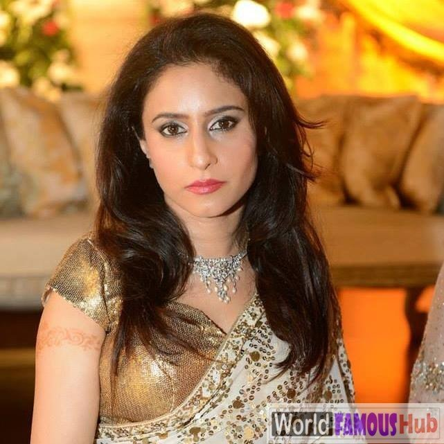 Munizae Jahangir Biography, Wiki, Age, Measurements, Family, Facts (Asma Jahangir's daughter)