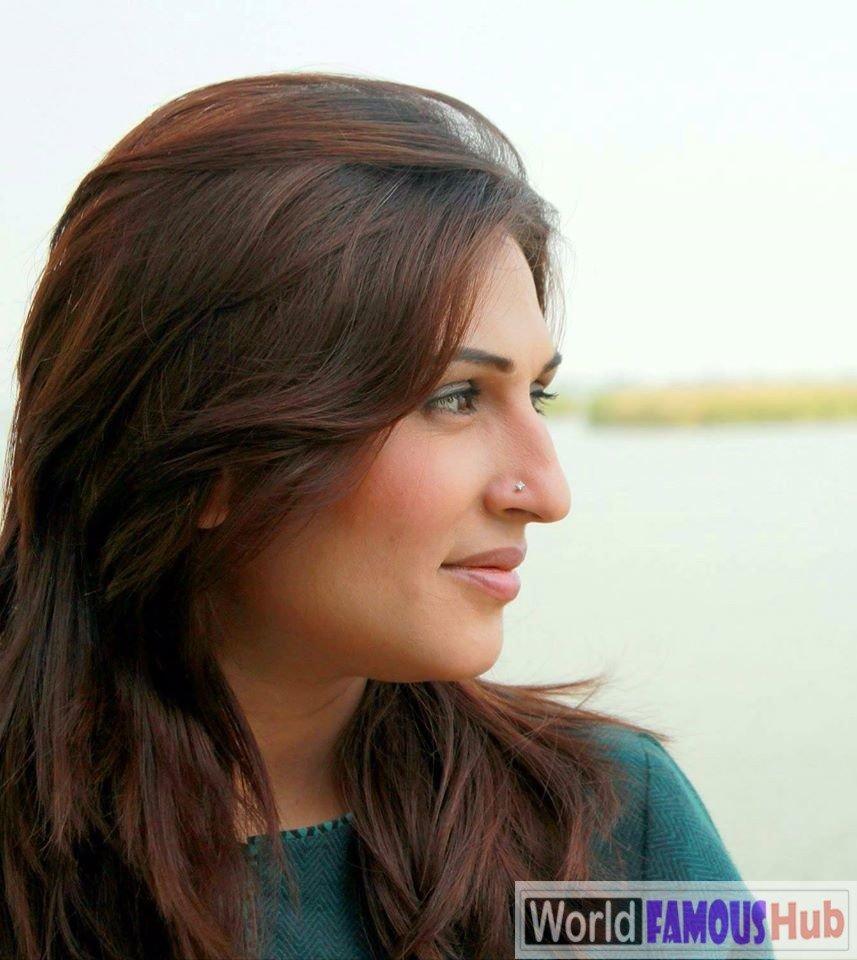 Qurat Ul Ain Hassan (Iqrar Ul Hassan Wife) Anchor, Biography, Age & Pics