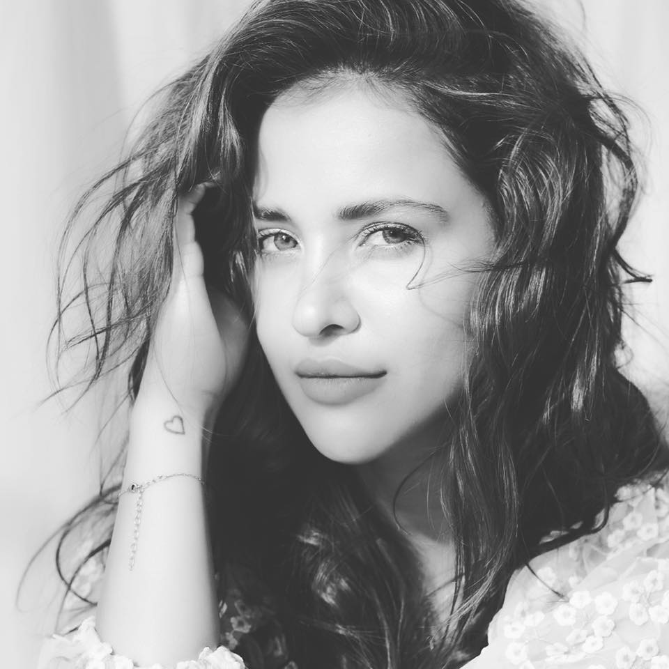 Aisha Sharma- Education, Family, Boyfriend, Career, Age, Height, Facts & More